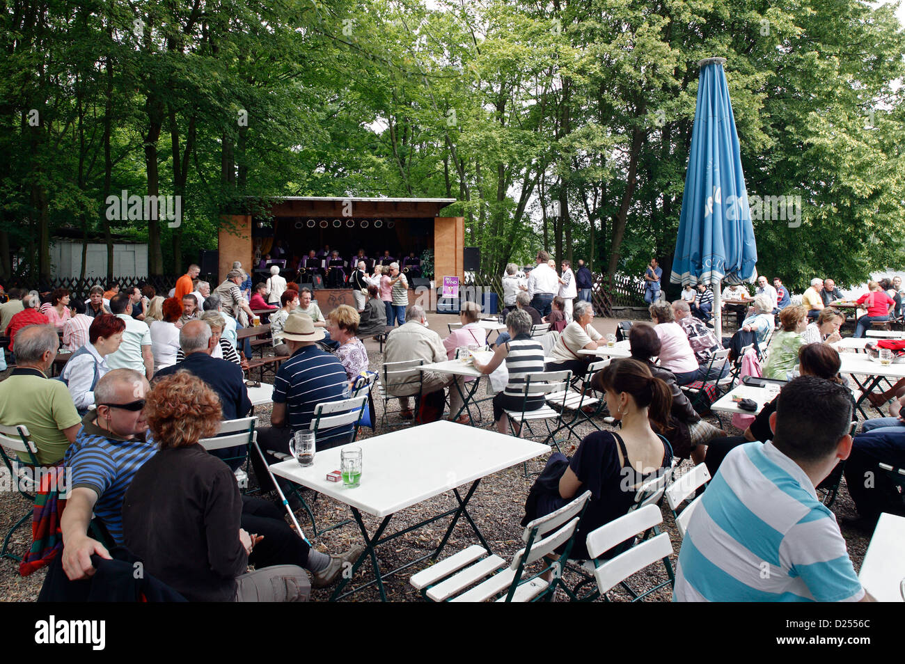 berlin live music restaurant stockfotos berlin live music restaurant bilder alamy. Black Bedroom Furniture Sets. Home Design Ideas
