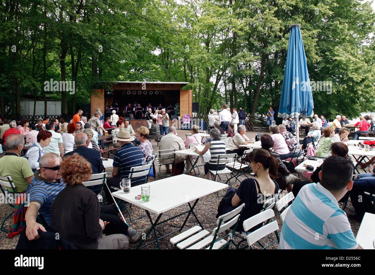 Berlin Cafe Blauer Band