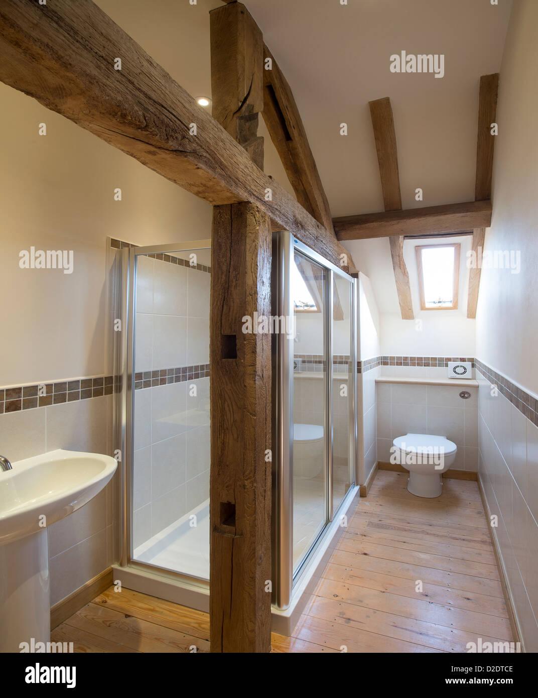 Schöne moderne Badezimmer in einem vor kurzem renovierten Scheune ...