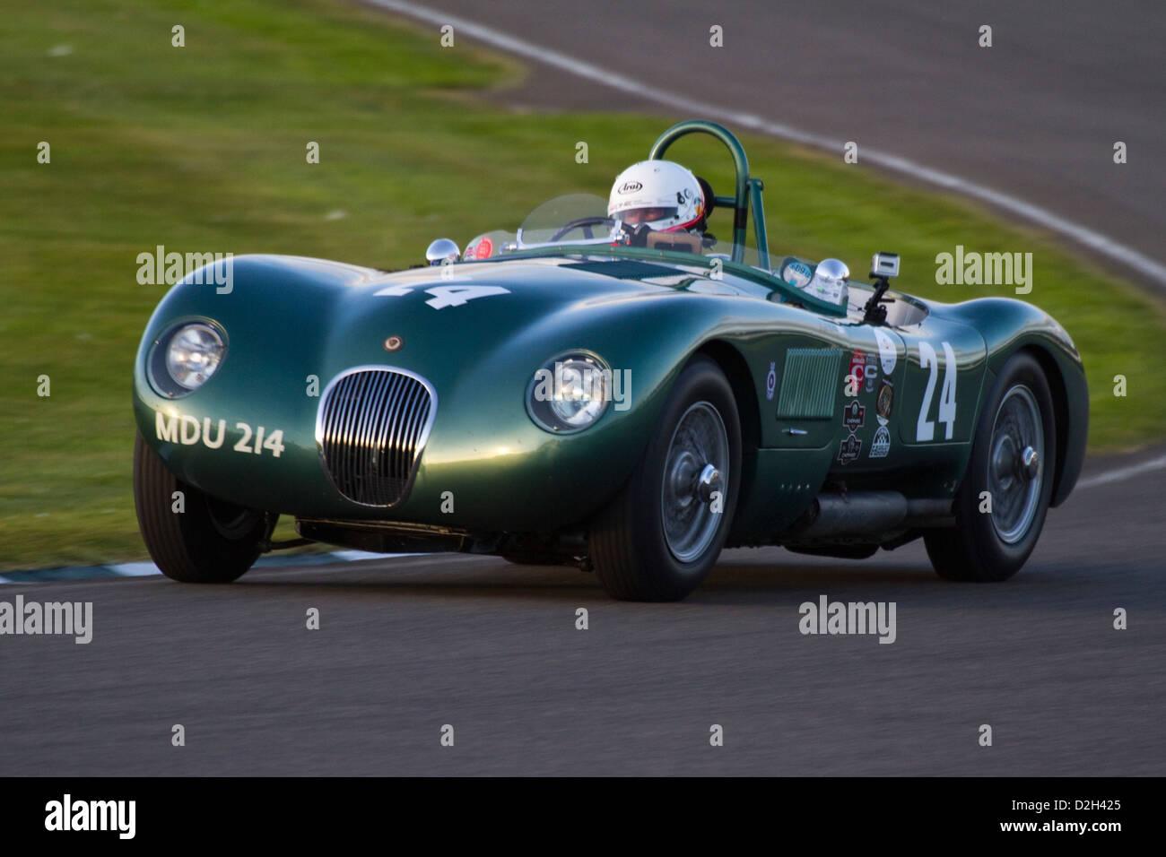 Jaguar C-Type in The Freddie März Memorial Trophy Rennen beim Goodwood Revival 2012 racing. Stockbild