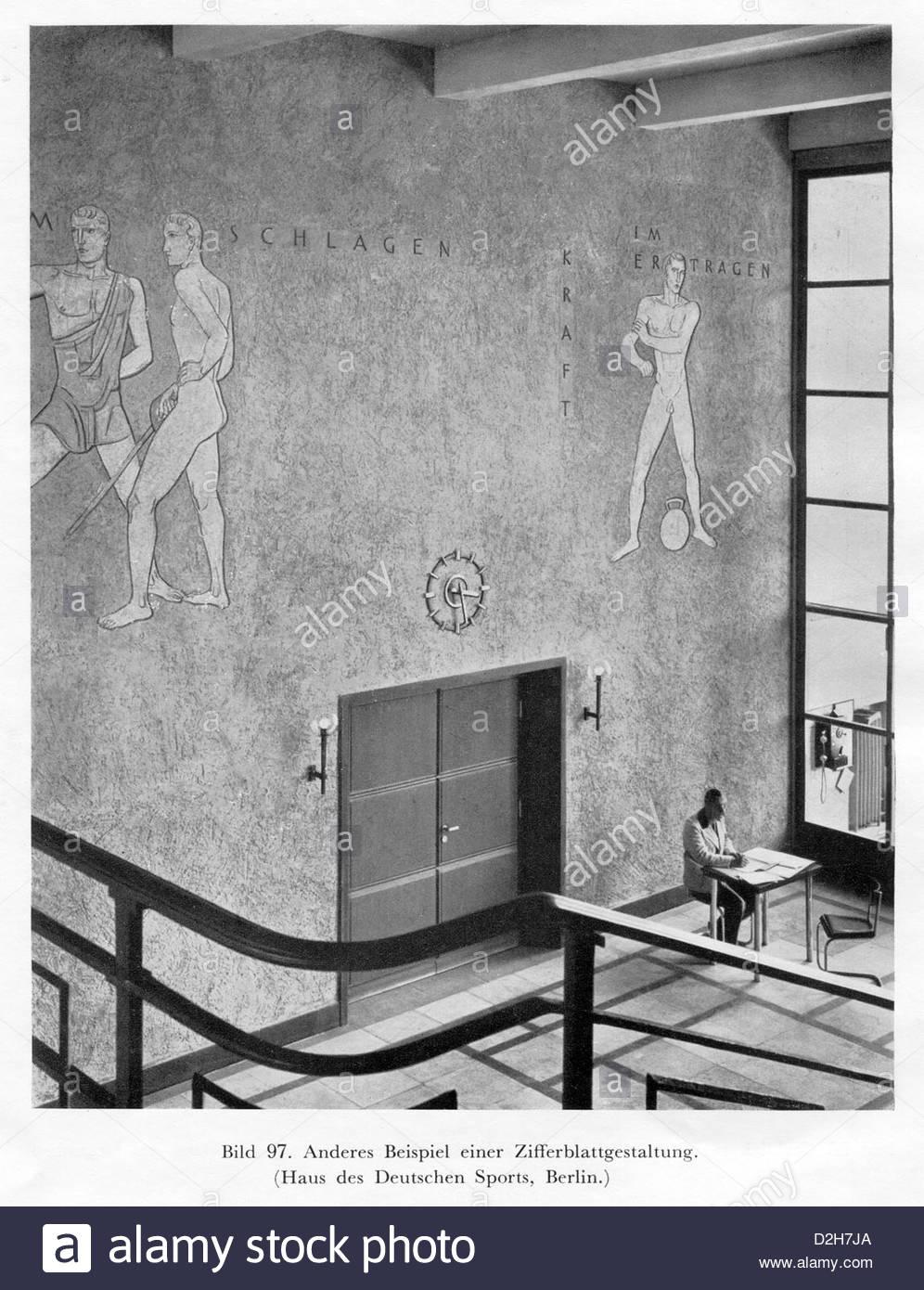 30er Jahre Berliner Architektur mit Olympiastadion Stockbild