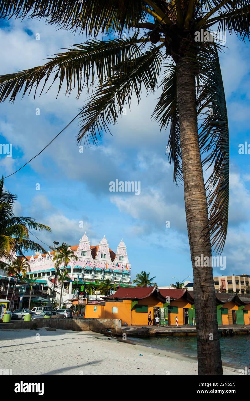 Die Innenstadt von Oranjestad, Hauptstadt von Aruba, ABC-Inseln, Niederländische Antillen, Karibik, Mittelamerika Stockbild