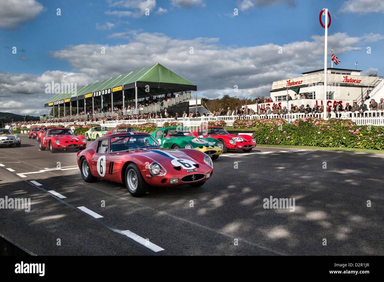 Goodwood Revival Start des Rennens Ferarri 250 GTO Stockbild