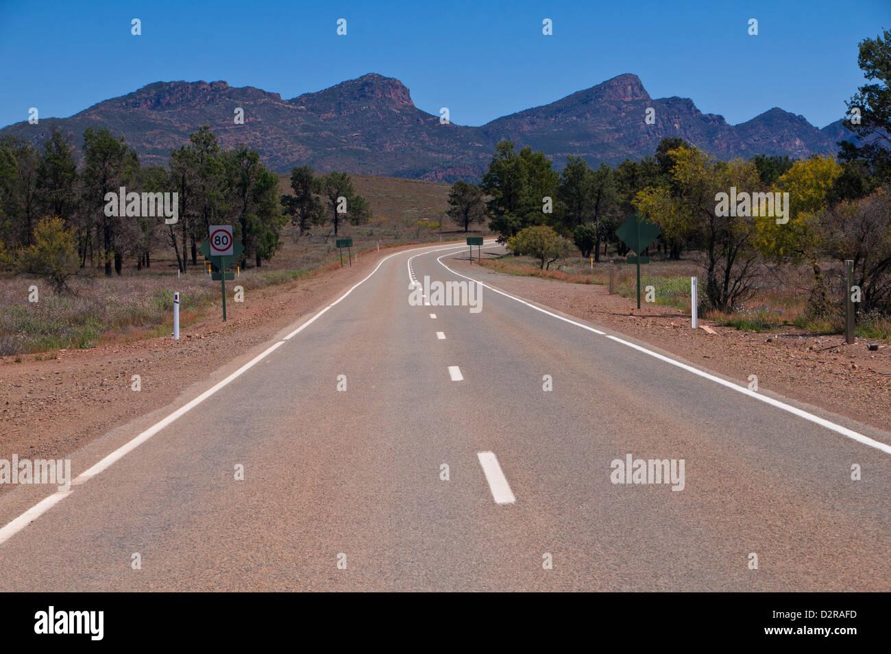 Straße in der Flinders Range National Park, South Australia, Australien, Pazifik Stockbild