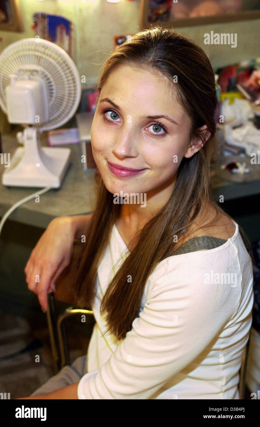 """(Dpa) - schwedische Schauspielerin Tuva Novotny, während der Dreharbeiten von """"The Stratosphere Girl"""" Stockbild"""