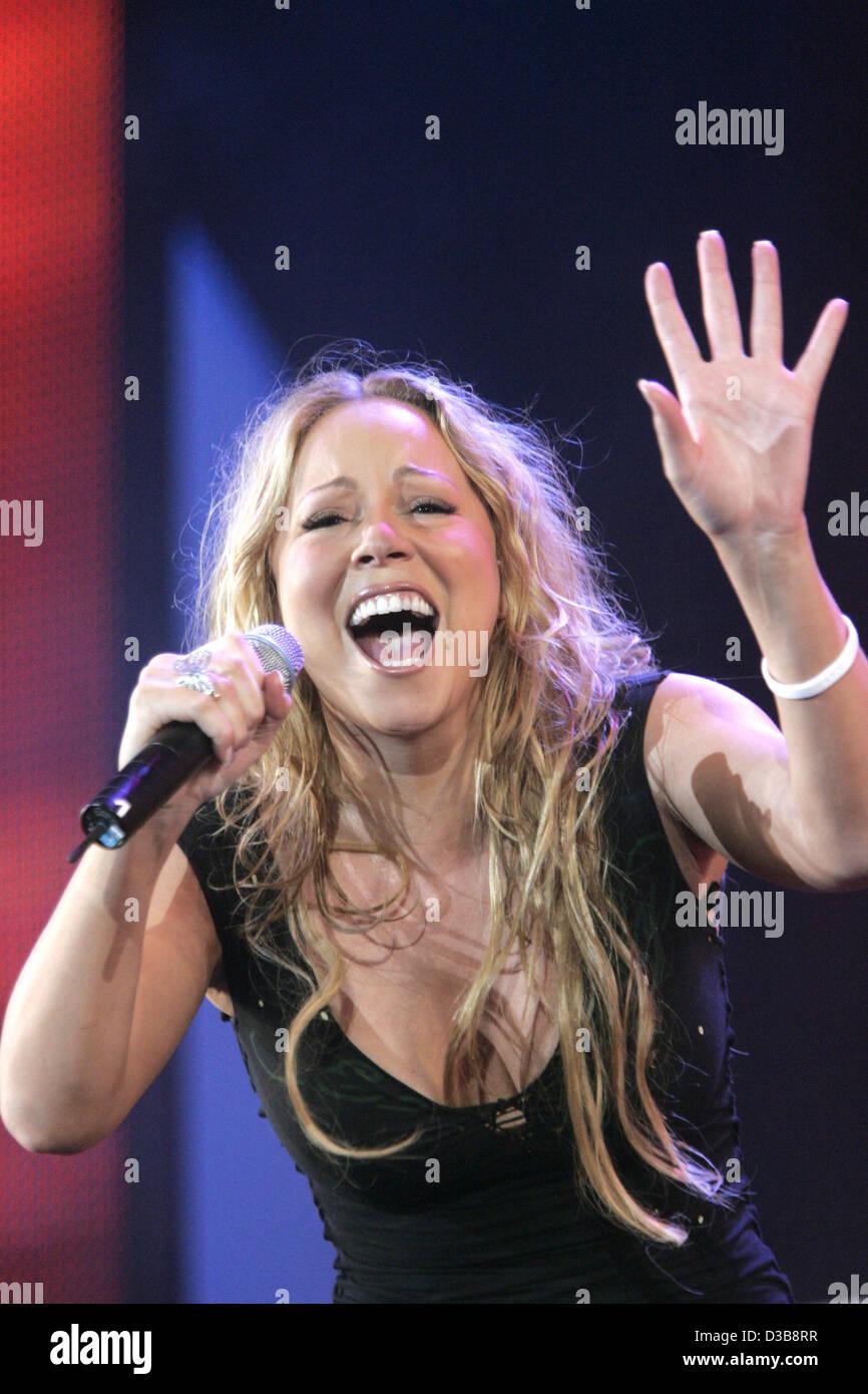 (Dpa) - Mariah Carey auf der Bühne während der Live 8-Konzert in London, 2. Juli 2005 durchführt. Stockbild