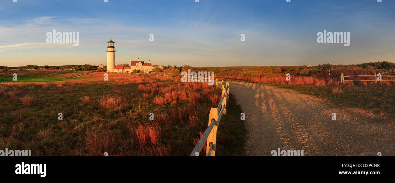 "Der älteste Leuchtturm Cape Cod, bekannt als das Highland-Licht ist offiziell ""Cape Cod Light"" genannt. Stockbild"