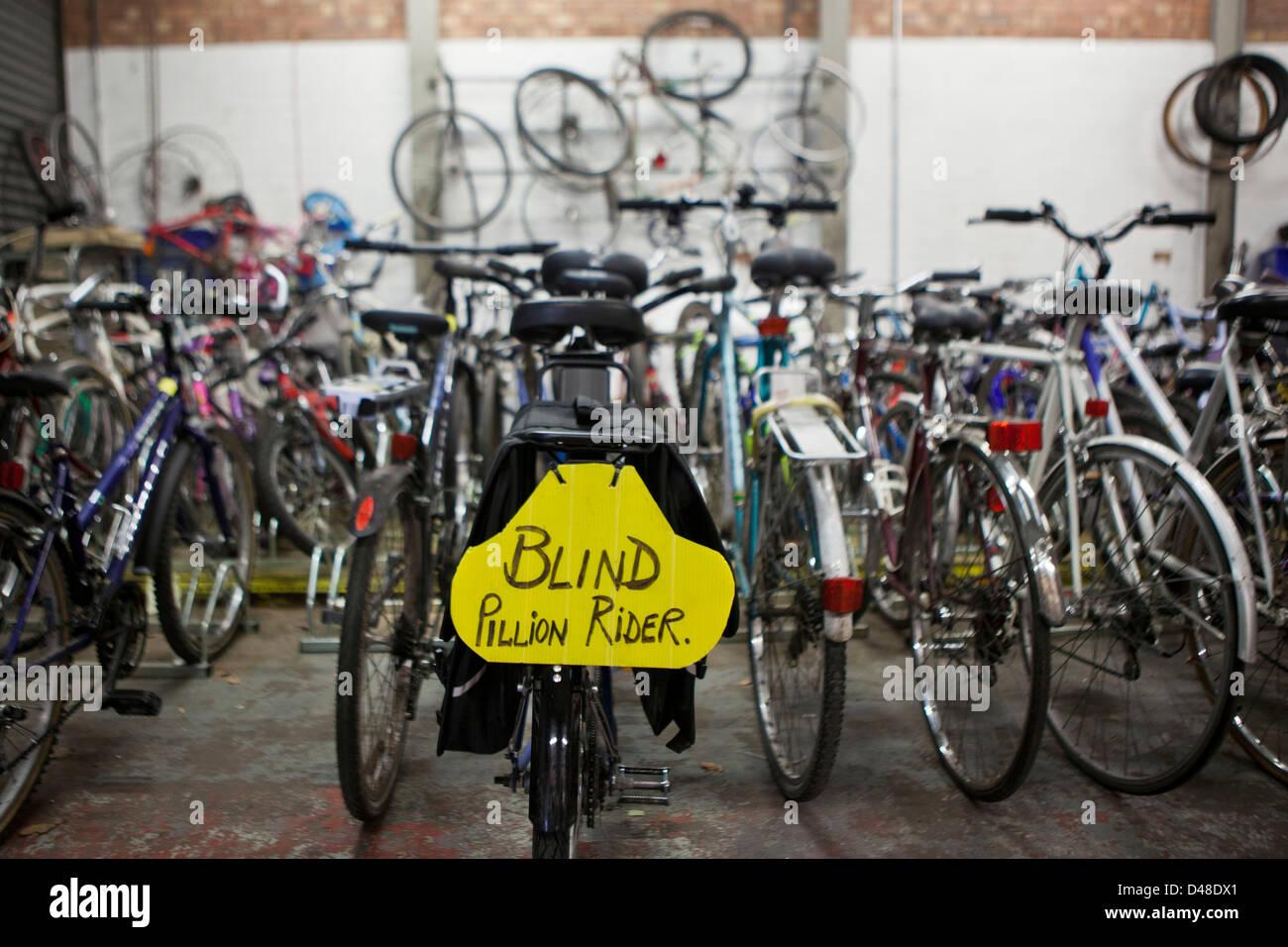 """Schild """"Blinden Sozius"""". Das Krankenhaus Radsport Schema der University Hospital of South Manchester (UHSM). Stockbild"""
