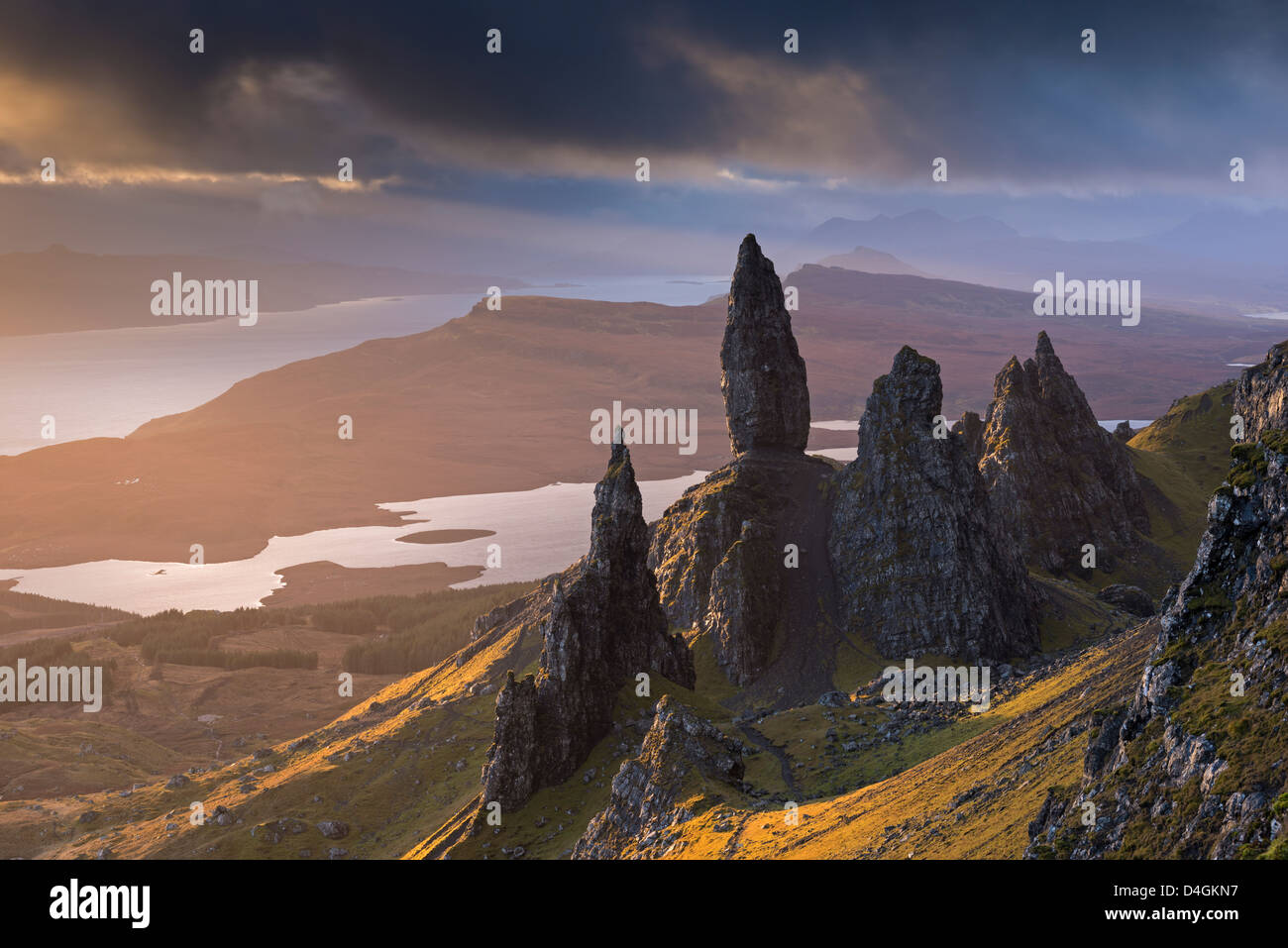 Old Man of Storr Basalt Zinnen auf der Isle Of Skye, Schottland. Winter (November) 2012. Stockbild