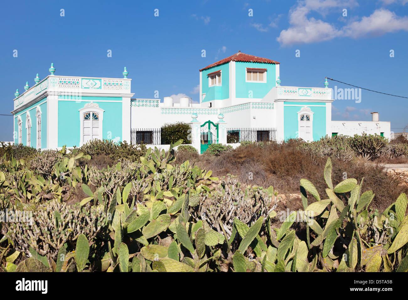 Villa Inmitten von Kakteen, Antigua, Fuerteventura, Kanarische Inseln, Spanien Stockbild
