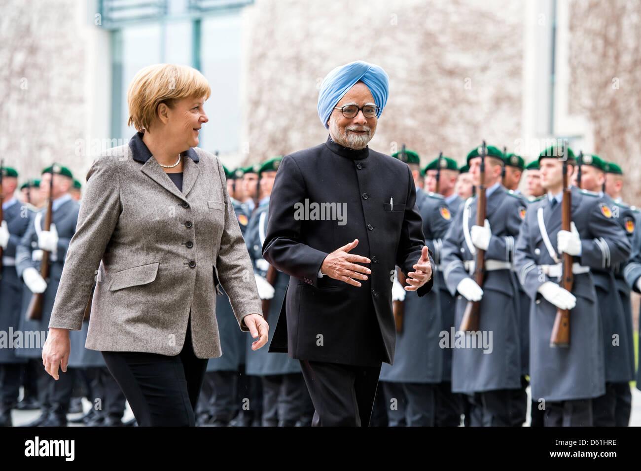 Berlin, Germany.11th April 2013.German Bundeskanzlerin Angela Merkel begrüßt die Premierminister von Indien, Stockbild