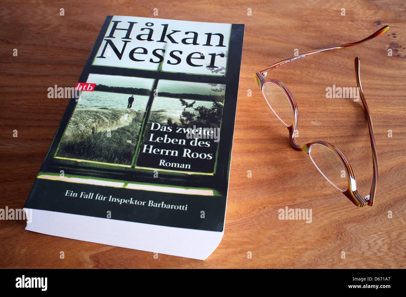 Hakan Nesser-Das Zweite Leben des Herrn Roos Stockbild