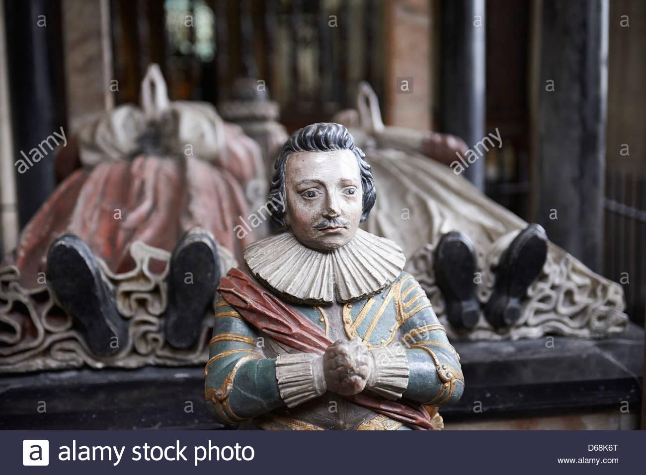 Denkmal und Ruhestätte von Lucius Carey und Frau Elisabeth in Burford St John The Baptistenkirche in Burford Stockbild