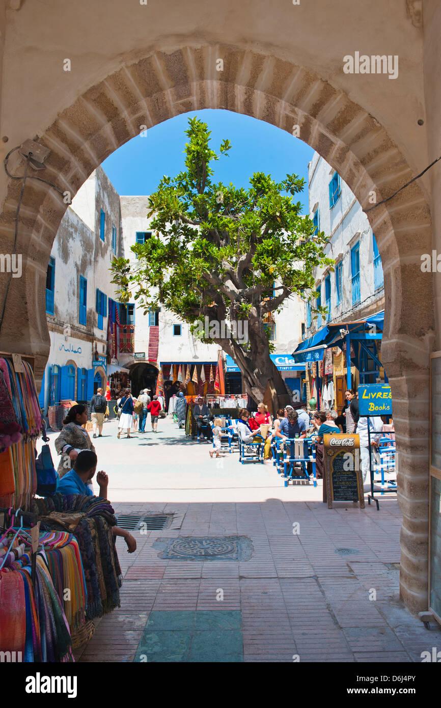 Eingang zur alten Medina von Essaouira, ehemals Mogador, UNESCO-Weltkulturerbe, Marokko, Nordafrika, Afrika Stockbild