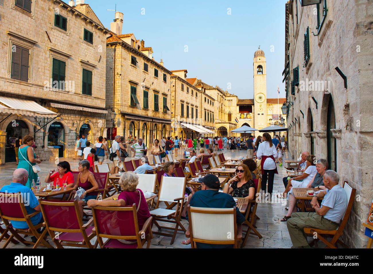 Stradun, die berühmte Straße in Dubrovnik, durch die City Bell Tower, Old Town, der UNESCO, Dubrovnik, Stockbild