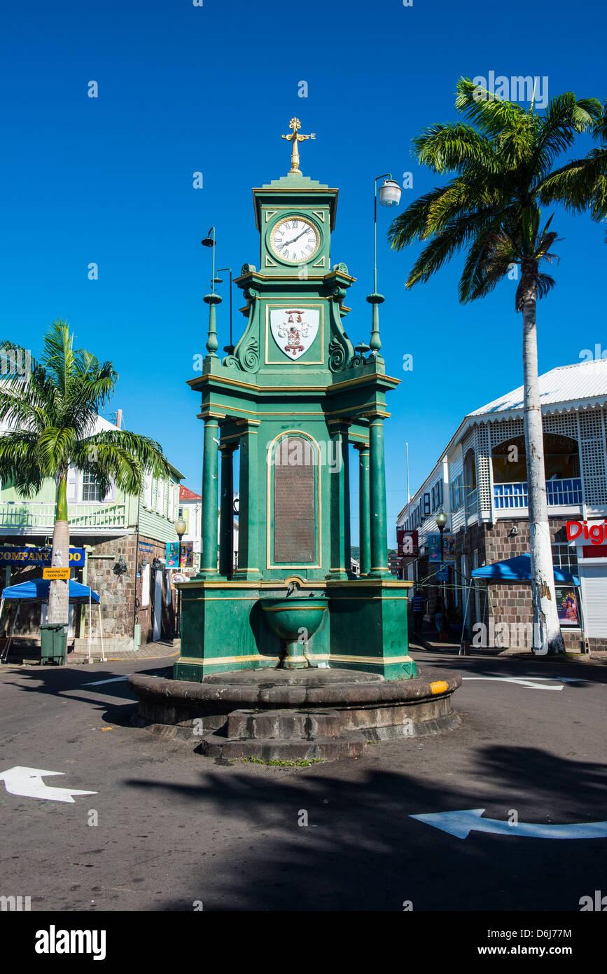 Der Zirkus mit der viktorianischen Stil Memorial Clock, St. Kitts und Nevis, Leeward-Inseln, West Indies, Karibik Stockbild