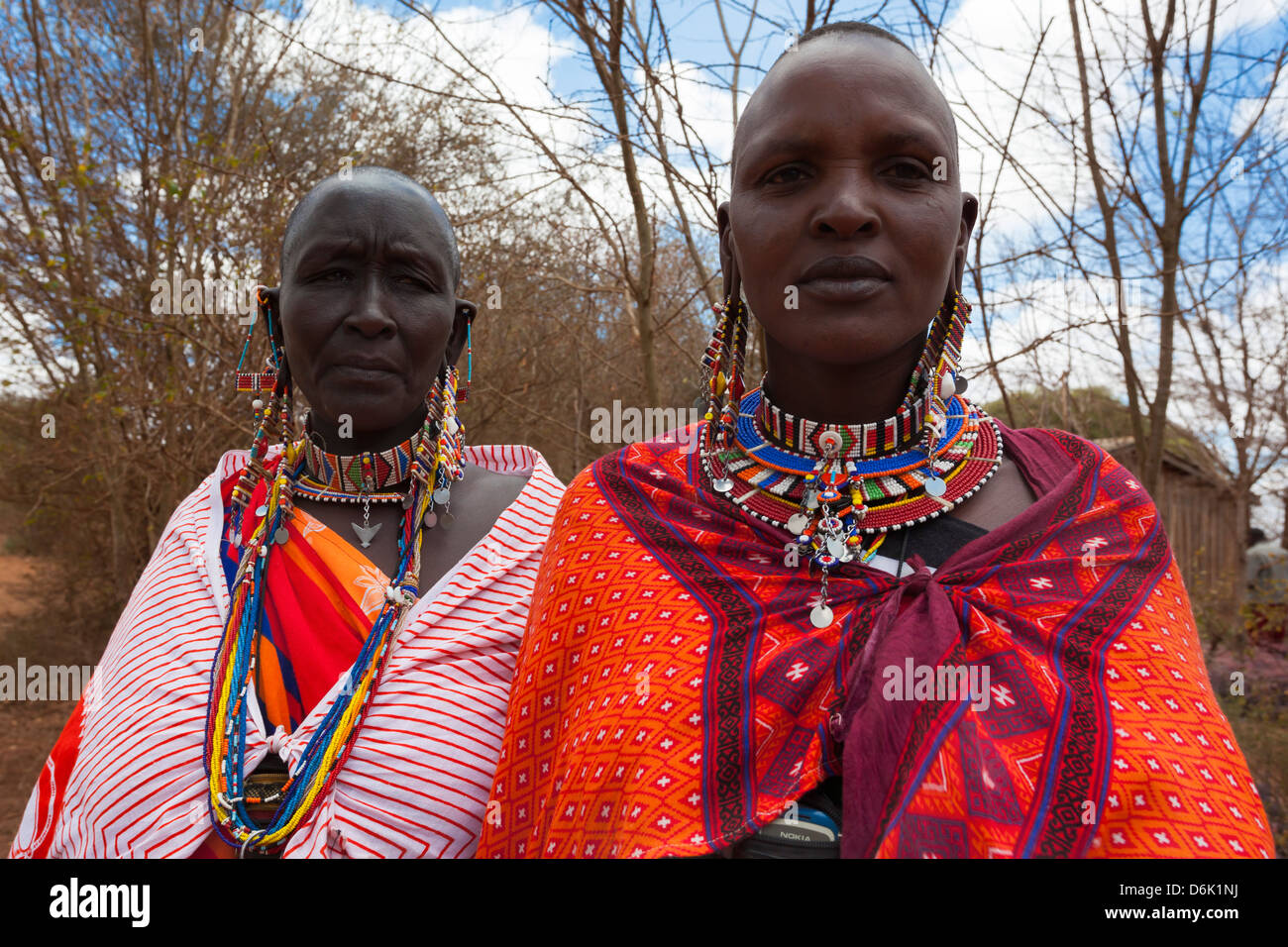 Massai-Frauen bei der Predator Entschädigung Fonds Pay Day, Mbirikani Group Ranch, Amboseli-Tsavo Öko Stockbild