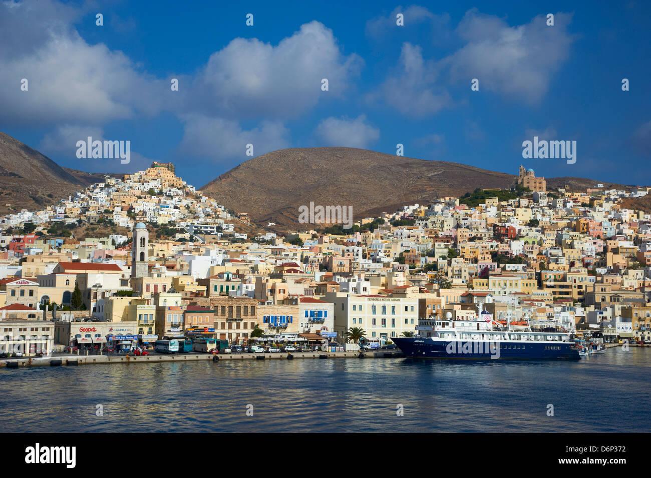(Chora) die Hauptstadt Ermoupoli und Ano Syros, Insel Syros, Cyclades, griechische Inseln, Griechenland, Europa Stockbild