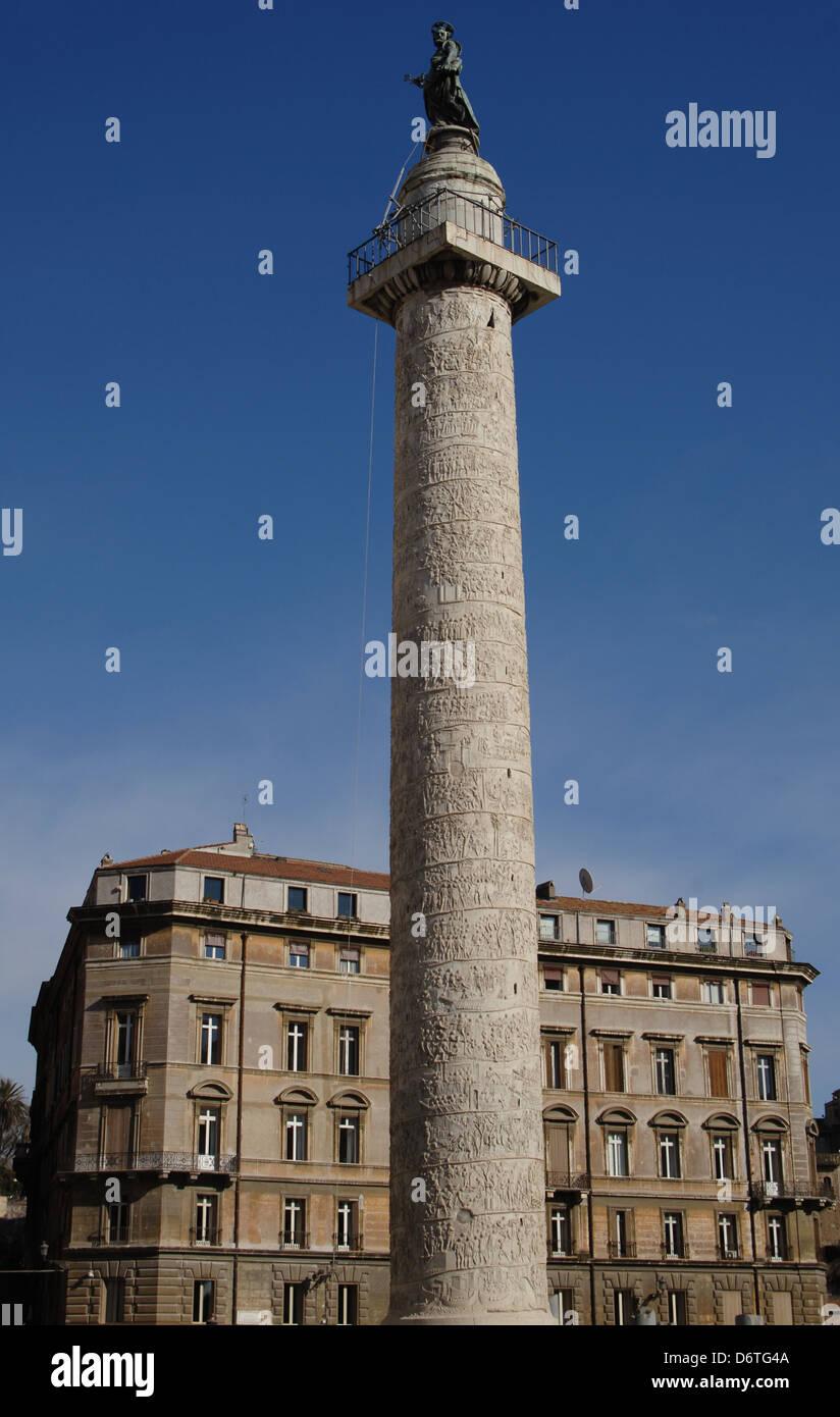 Italien. Rom. Trajanssäule, 2. Jh. n. Chr.. Errichtet, um den Sieg des Kaisers Trajan in der Dacian Kriege Stockbild