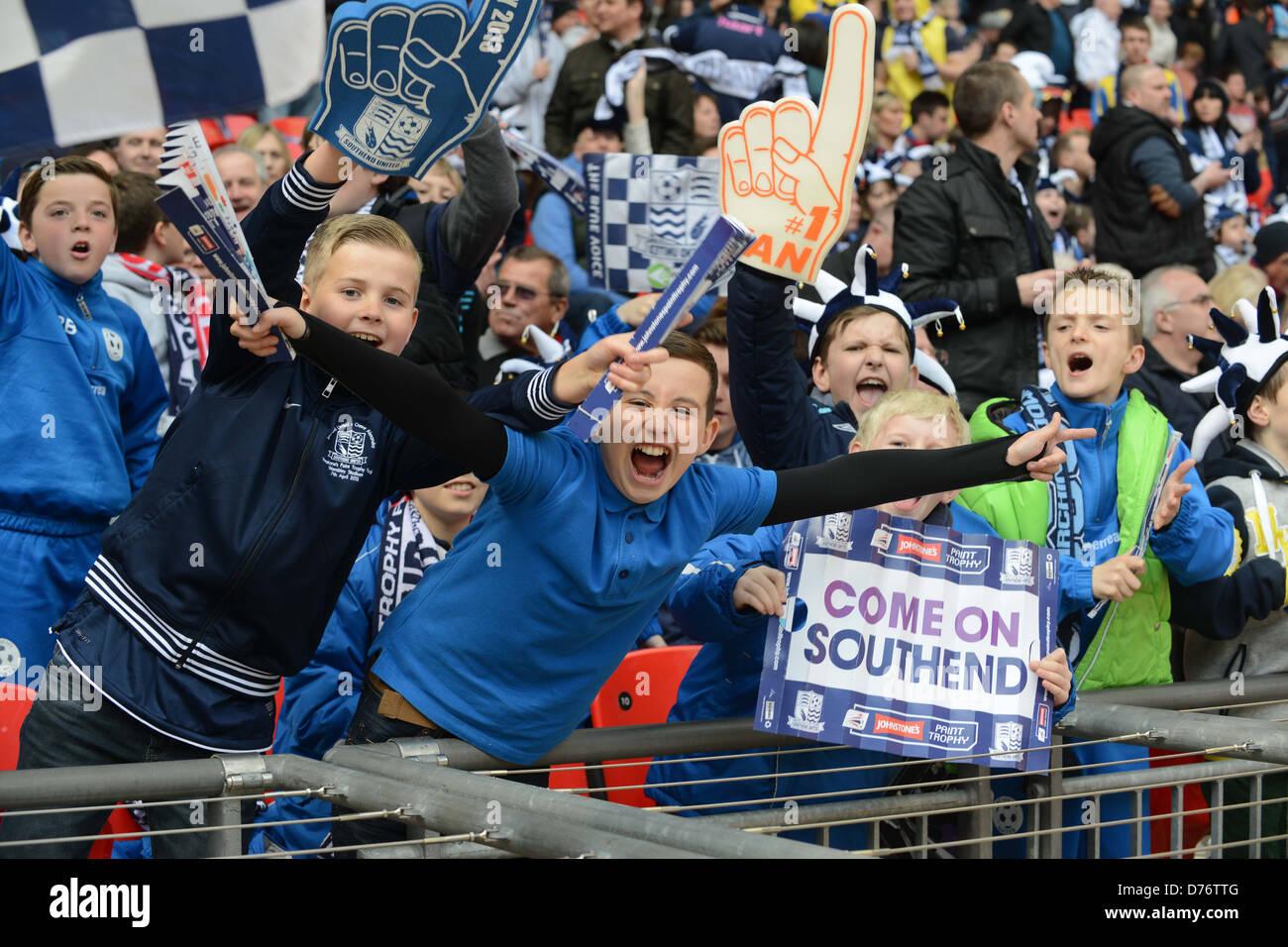 Junge Fußball-fans Anhänger der Southend Stockbild