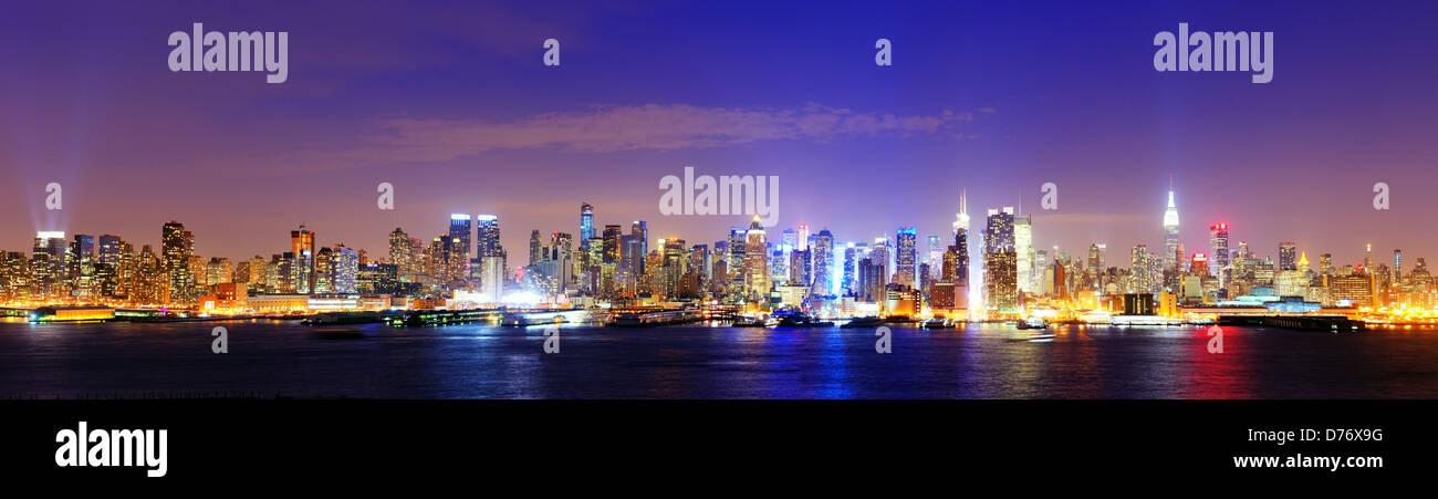 Die berühmte Skyline New Yorks in Midtown Manhattan Stockbild