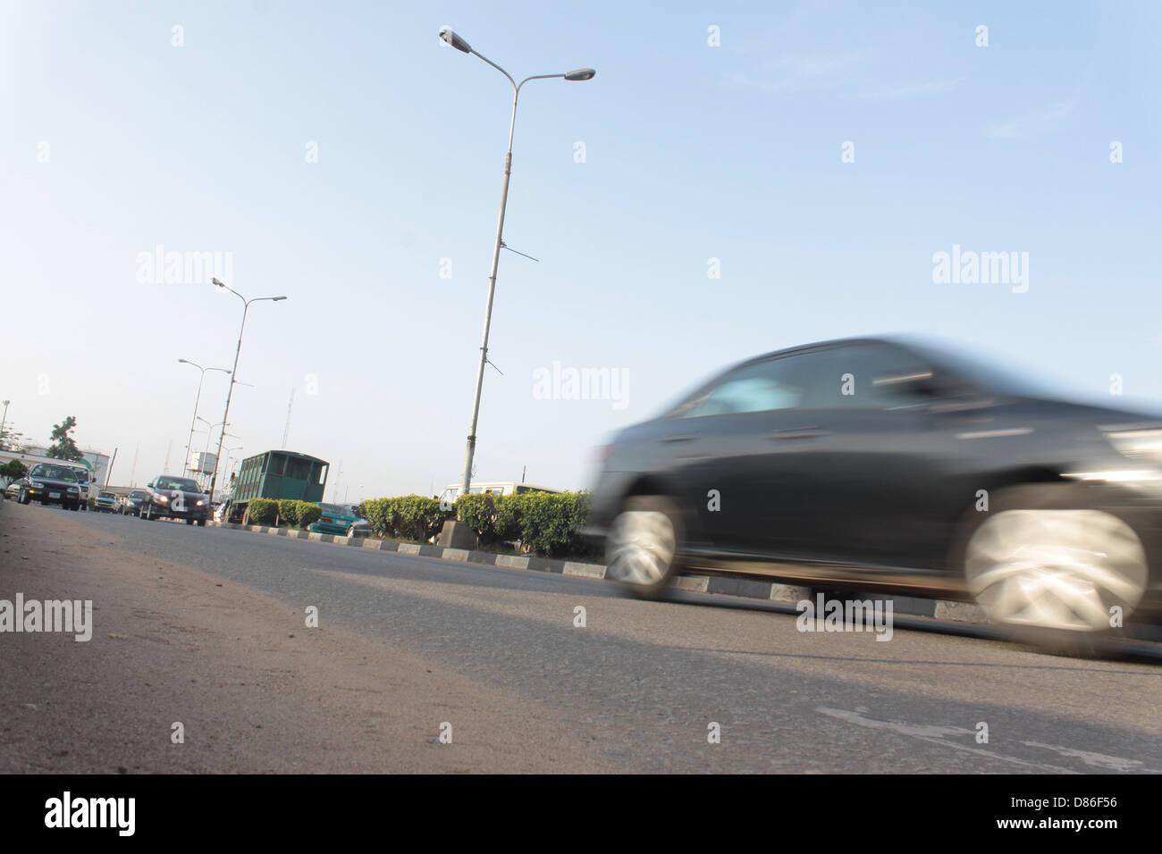 Verkehr auf der Hauptstraße in Lagos. Stockbild