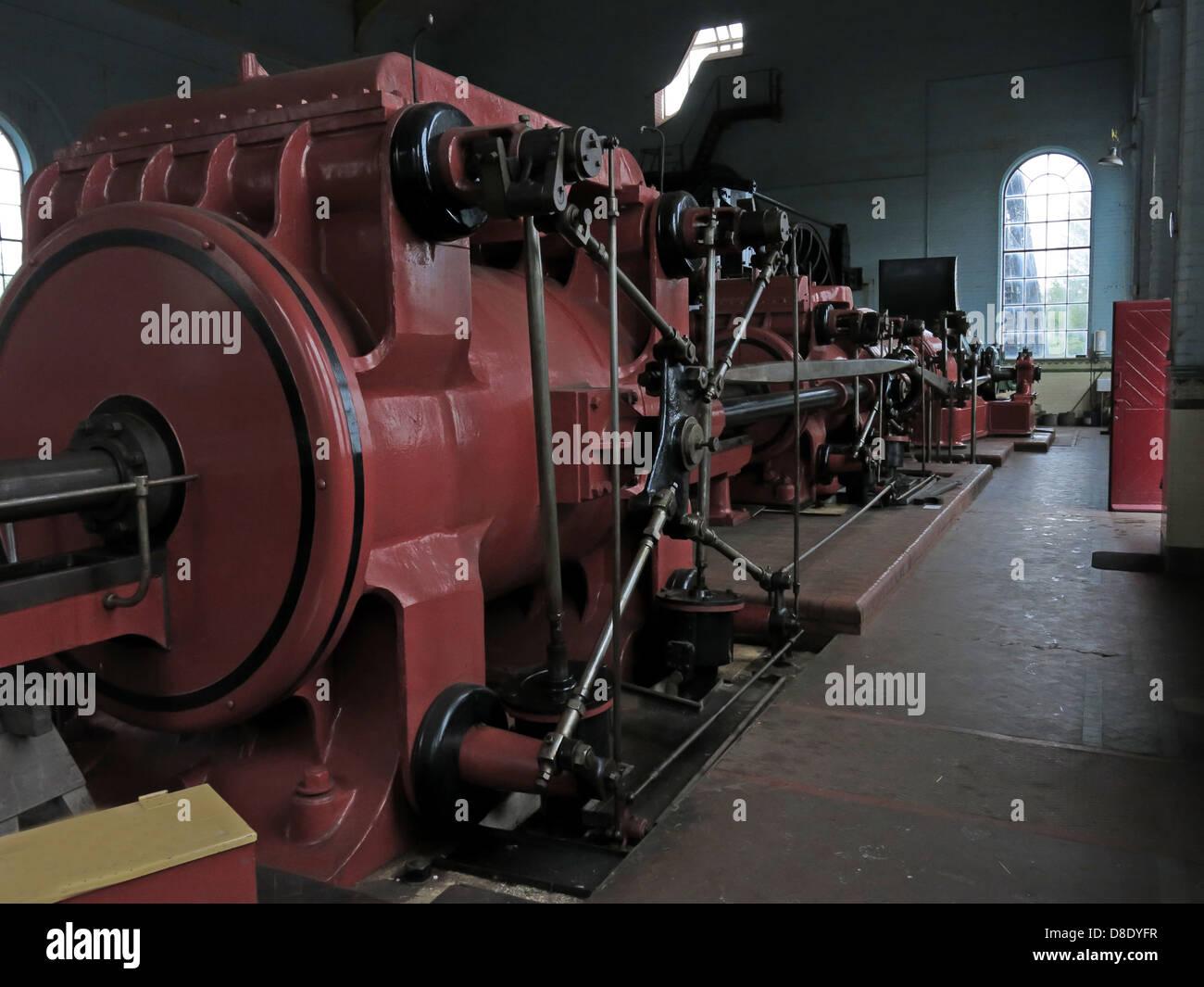 Laden Sie dieses Alamy Stockfoto Rot gewundenen Gang Motor bei Astley Grube, Astley Green, Tyldesley, Manchester, Lancashire, UK M29 7JB - D8DYFR