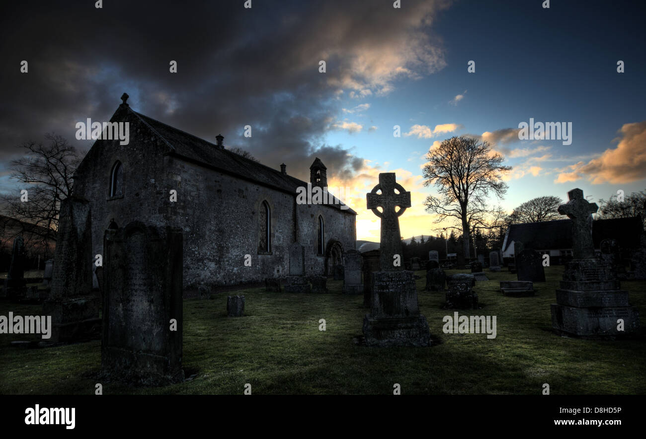 Dieses Stockfoto: Lamington spooky Kirkyard, Lamington, Biggar, Schottland, UK, ML12 6HS - D8HD5P