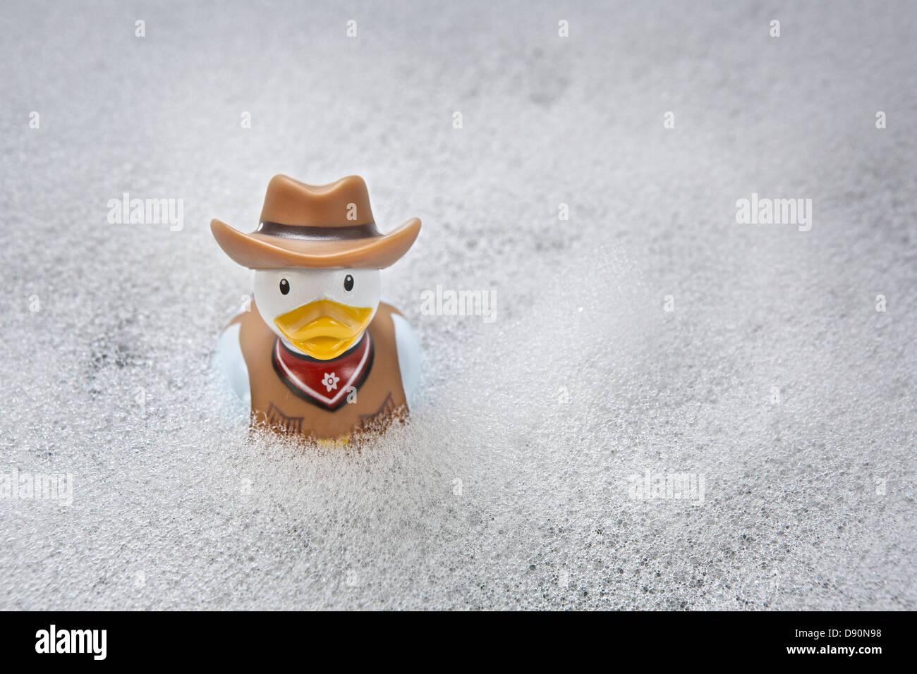 Sheriff Rubber Duck - Schaumbad Zeit Thema Stockbild