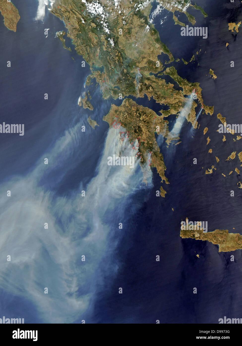 Brände in Griechenland im Sommer 2008. Satellitenbild. Stockbild