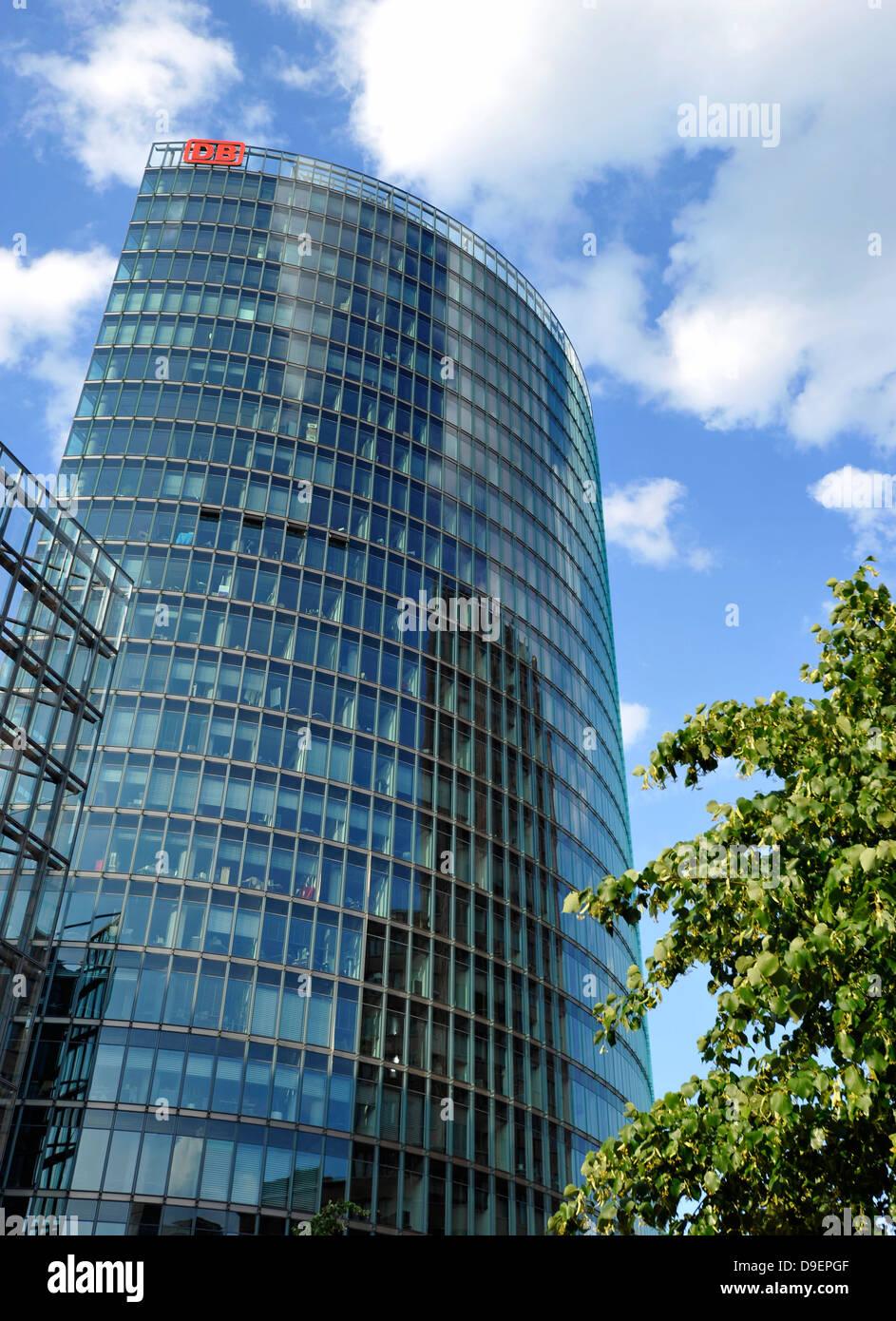 DB-Tower Konzernzentrale der Deutschen Bahn AG, Potsdamer Platz, Berlin, Deutschland, Europa Stockbild