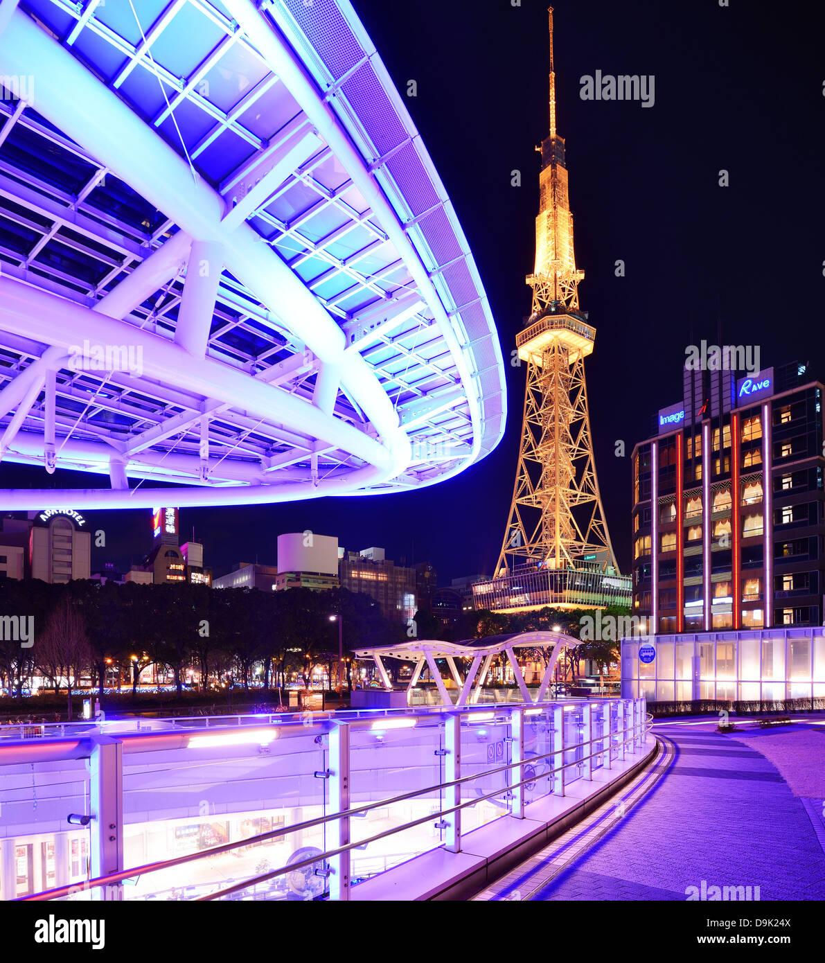 Nagoya, Japan im Oasis 21 und Fernsehturm. Stockbild
