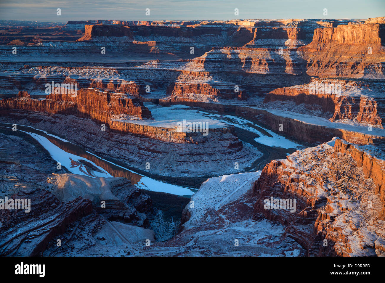 Das Colorado-Tal von Dead Horse Point an der Dämmerung, Utah, USA Stockbild