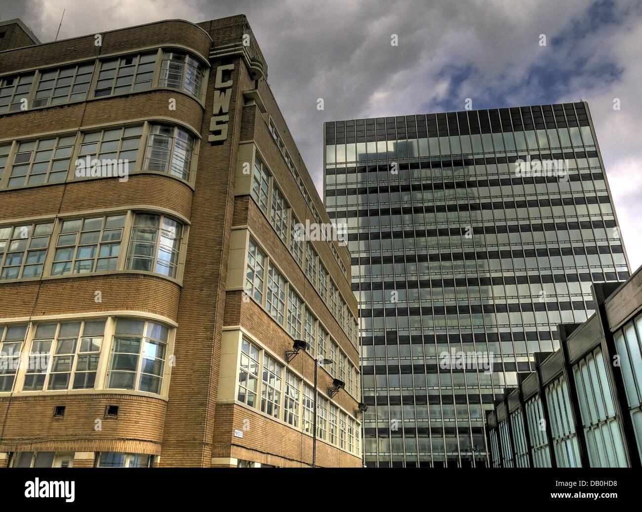 Laden Sie dieses Alamy Stockfoto CIS und New Century House Cooperative Wholesale Society Gebäude, Manchester, North West England, Großbritannien - DB0HD8