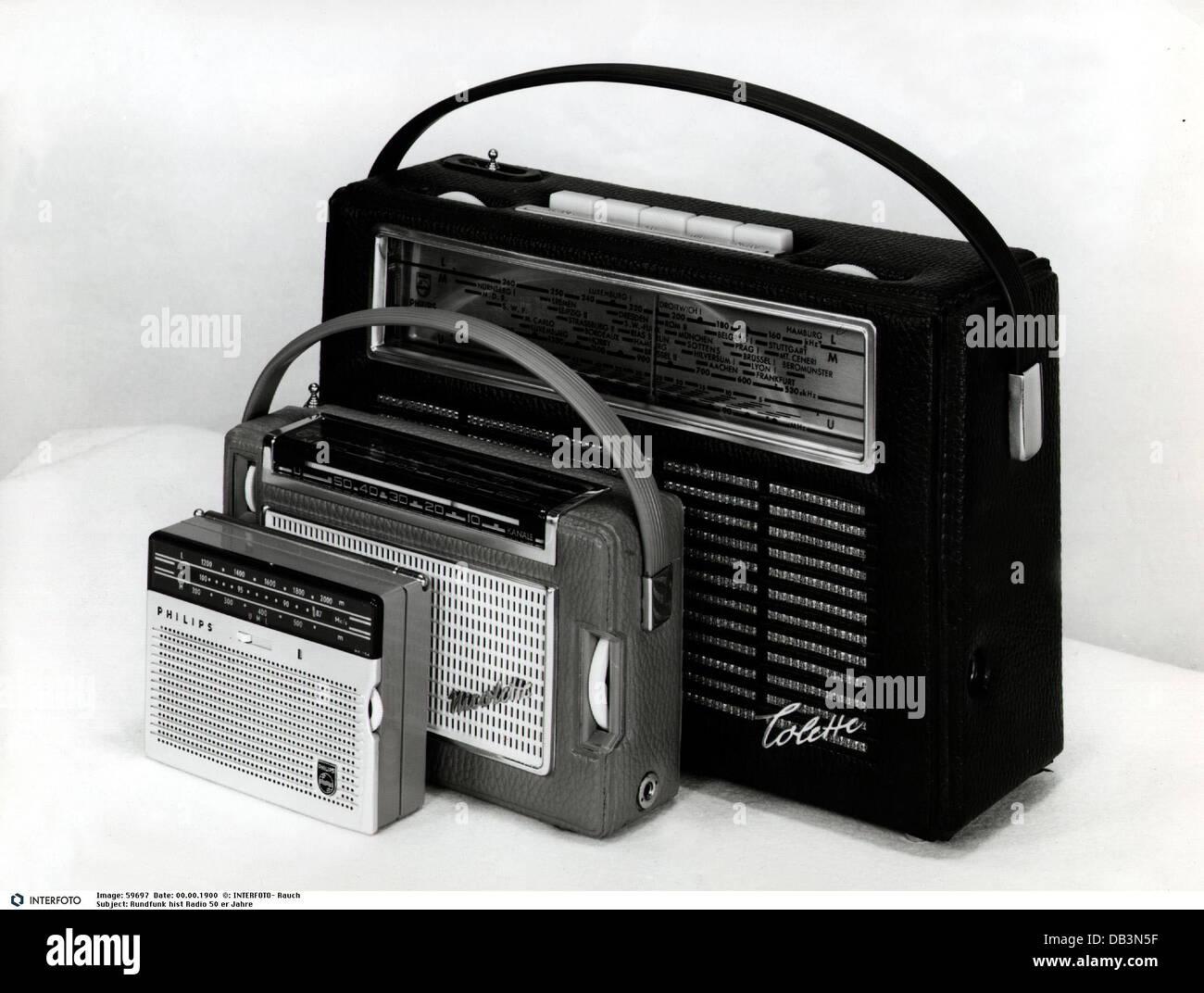 Rundfunk, Radio, tragbare Radios, 1950er Jahre, 50er Jahre des 20. Jahrhunderts, tragbares Radio, historisch, historische, Stockbild