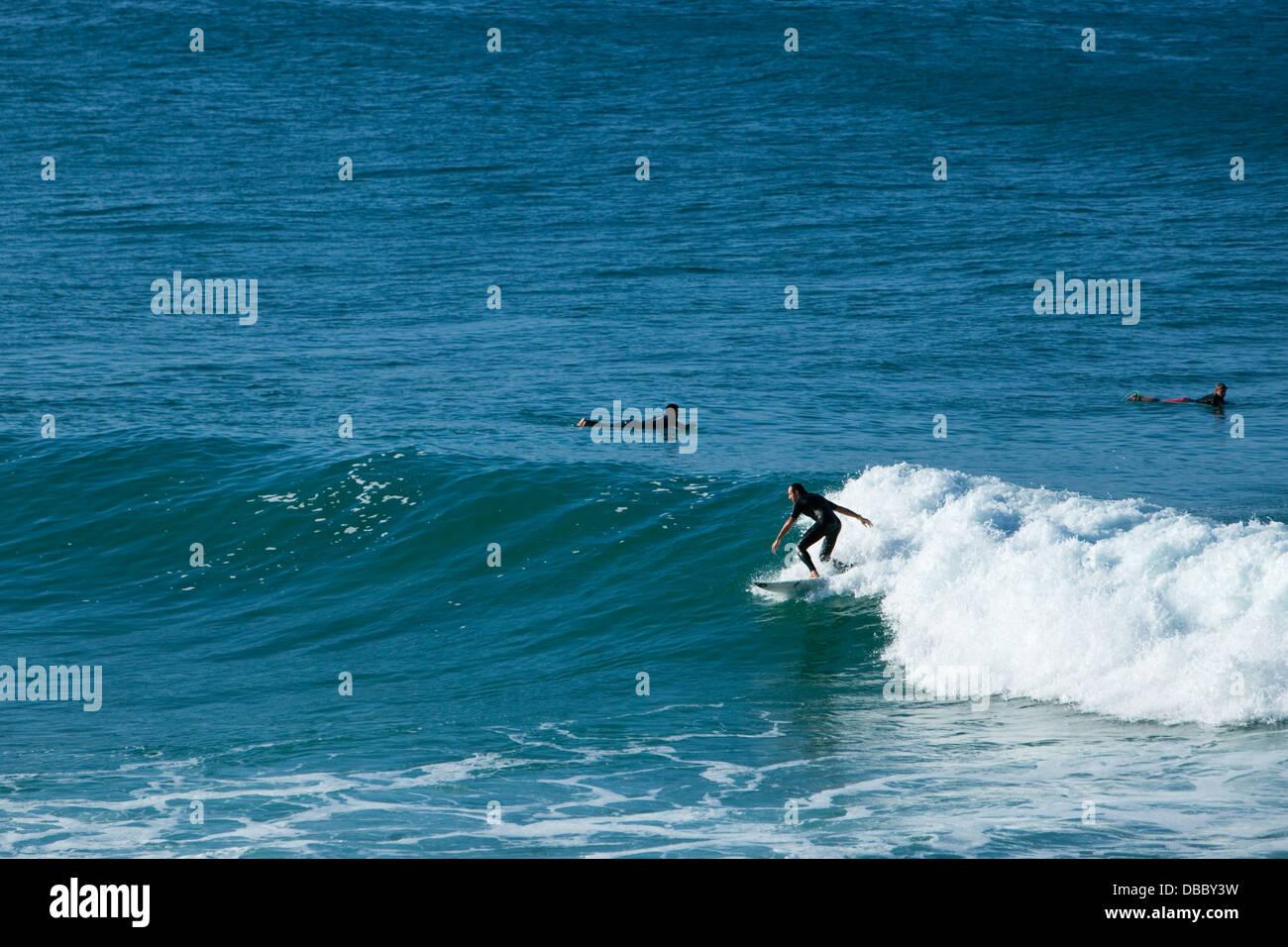 Surfer auf einer Welle. Coolangatta, Gold Coast, Queensland, Australien Stockbild