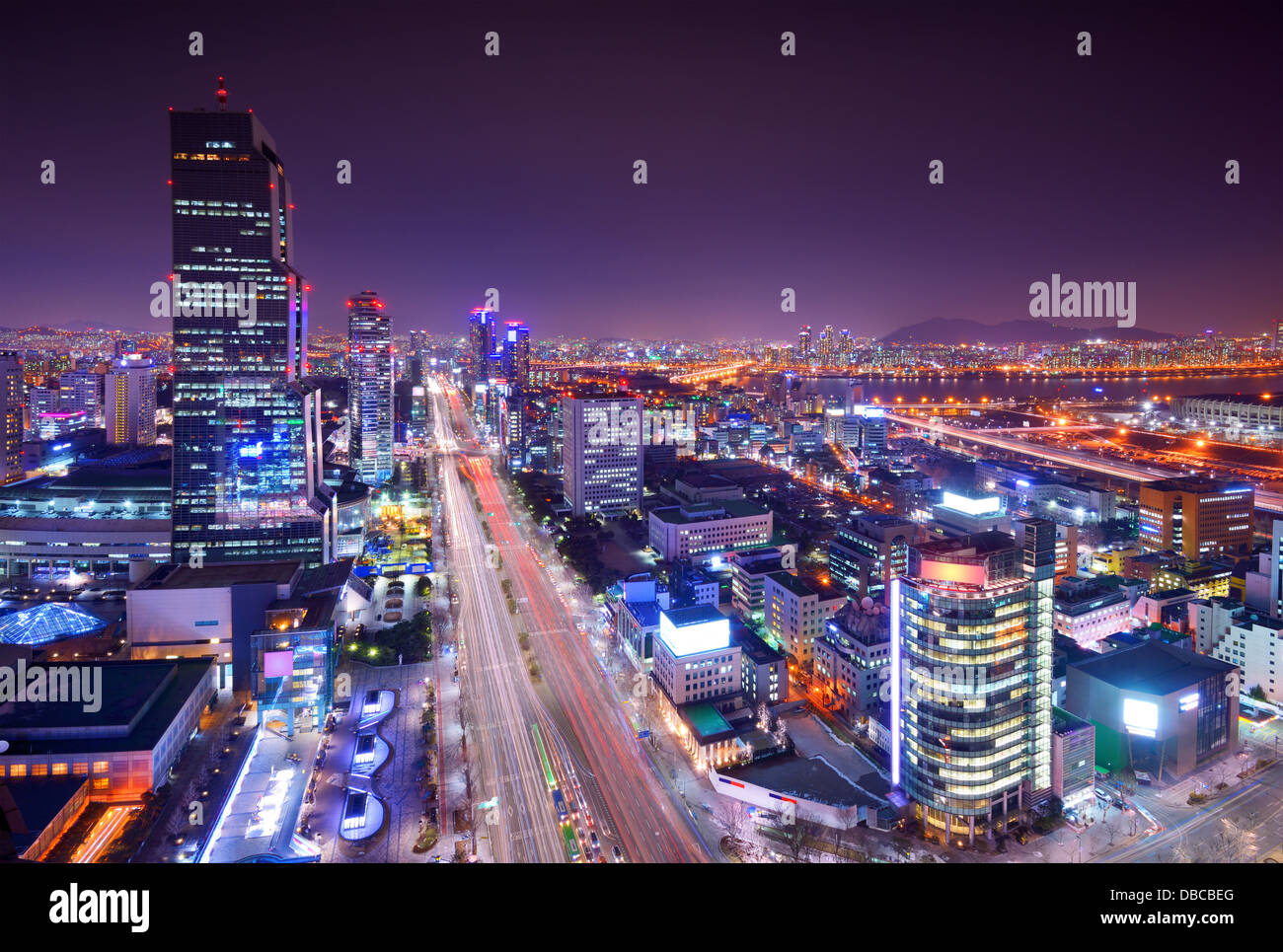 Gangnam District, Seoul, Südkorea-Skyline bei Nacht. Stockbild
