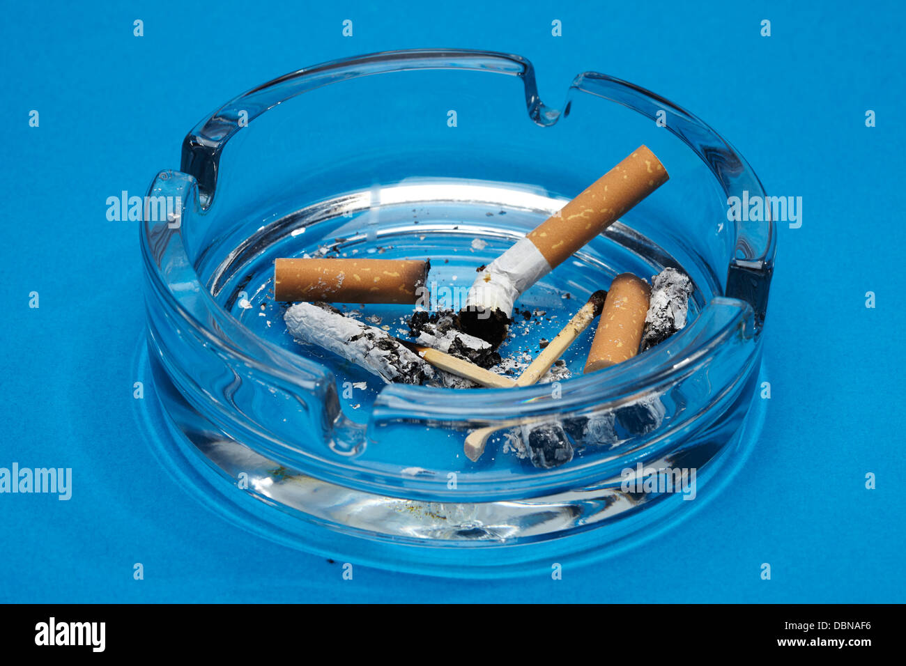 ashtray cigarettes stockfotos ashtray cigarettes bilder. Black Bedroom Furniture Sets. Home Design Ideas