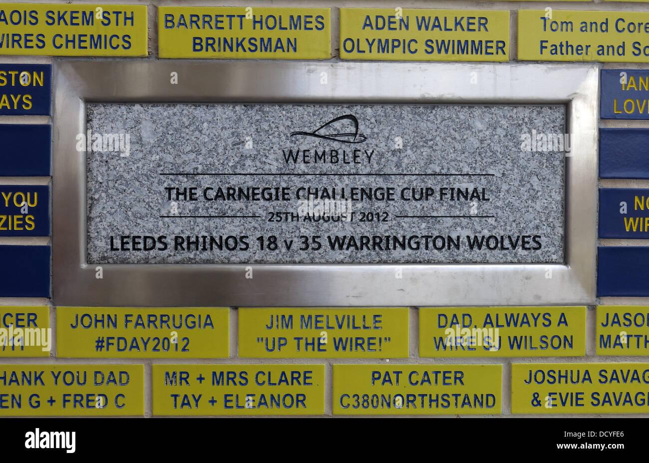 Laden Sie dieses Alamy Stockfoto Carnegie-Challenge-Cup-Finale Plaque Halliwell Jones Stadium, Mike Gregory Weg / Winwick Rd, Warrington, WA2 7NE - DCYFE6