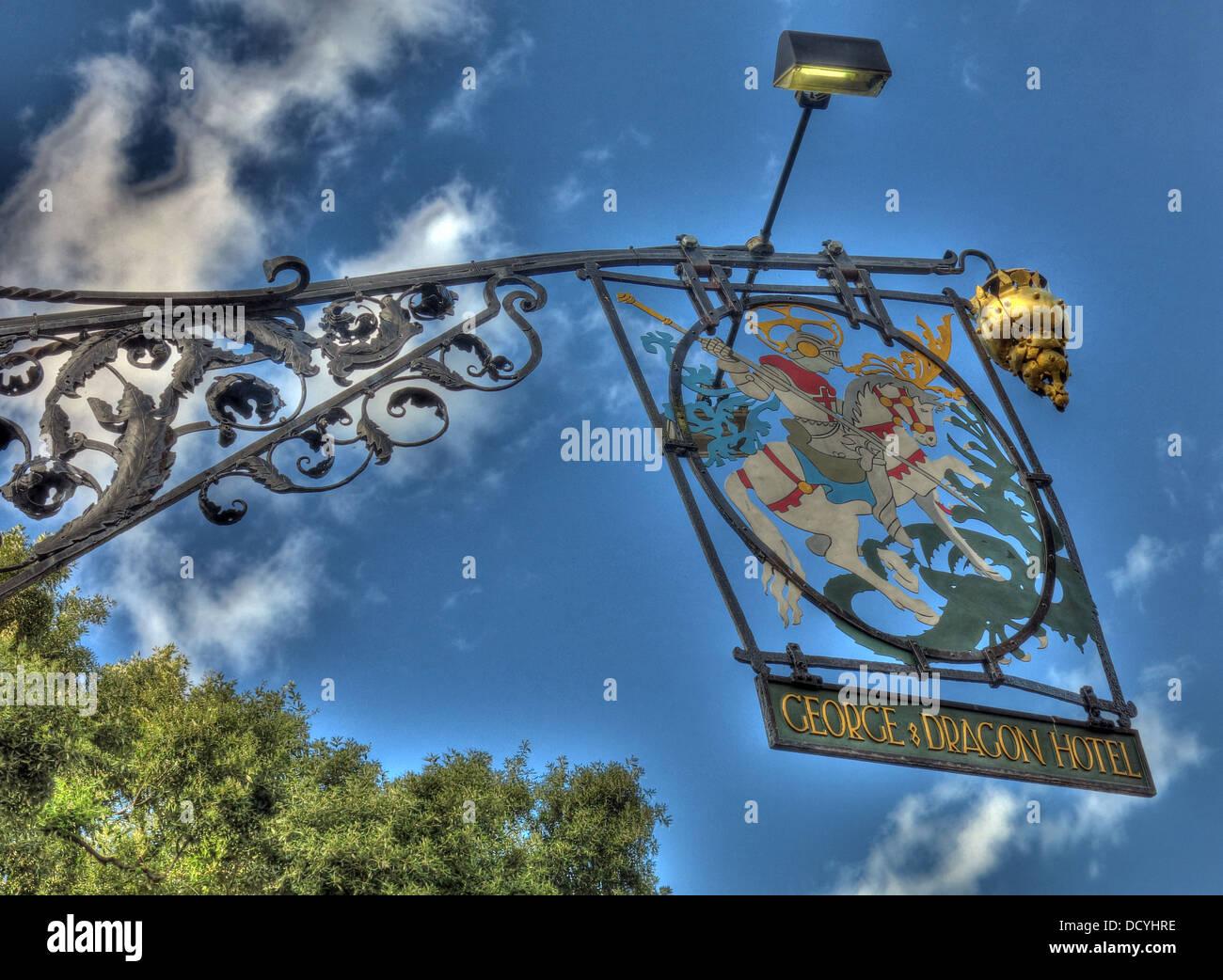 Dieses Stockfoto: George und Dragon Hotel, Great Budworth Dorf, Cheshire, - DCYHRE
