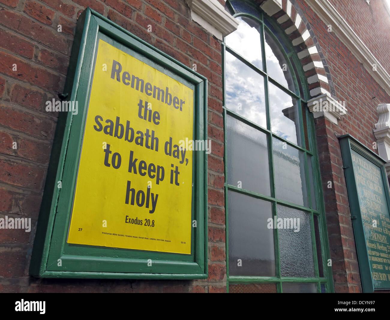 Dieses Stockfoto: Gedenke des Sabbats: Halte ihn heilig Anmelden methodistischen Kapelle, Warrington, Cheshire, Großbritannien - DCYN97