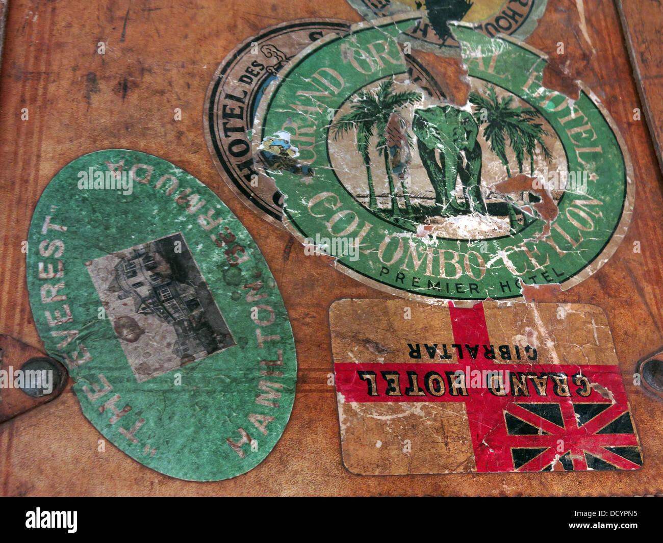 Dieses Stockfoto: Grand Oriental Hotel, Columbo, Ceylon, Gepäck und alten Kofferanhänger, Koffer Boxen - DCYPN5