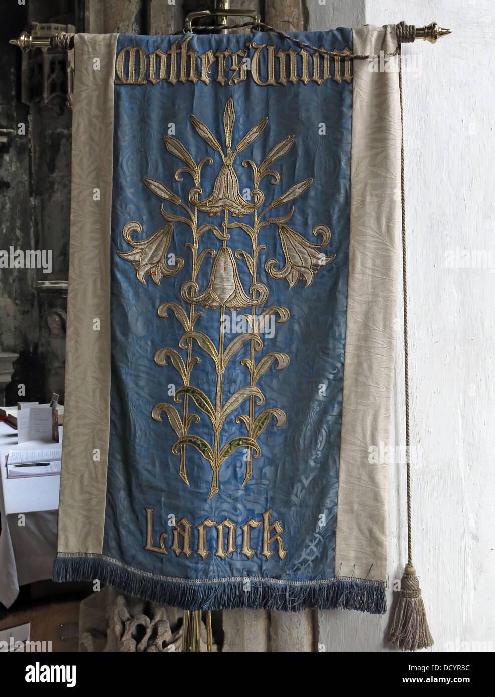 Dieses Stockfoto: Mütter Union Lacock Flagge, Lacock Abbey, Lacock, Wiltshire, England, SN 15. - DCYR3C