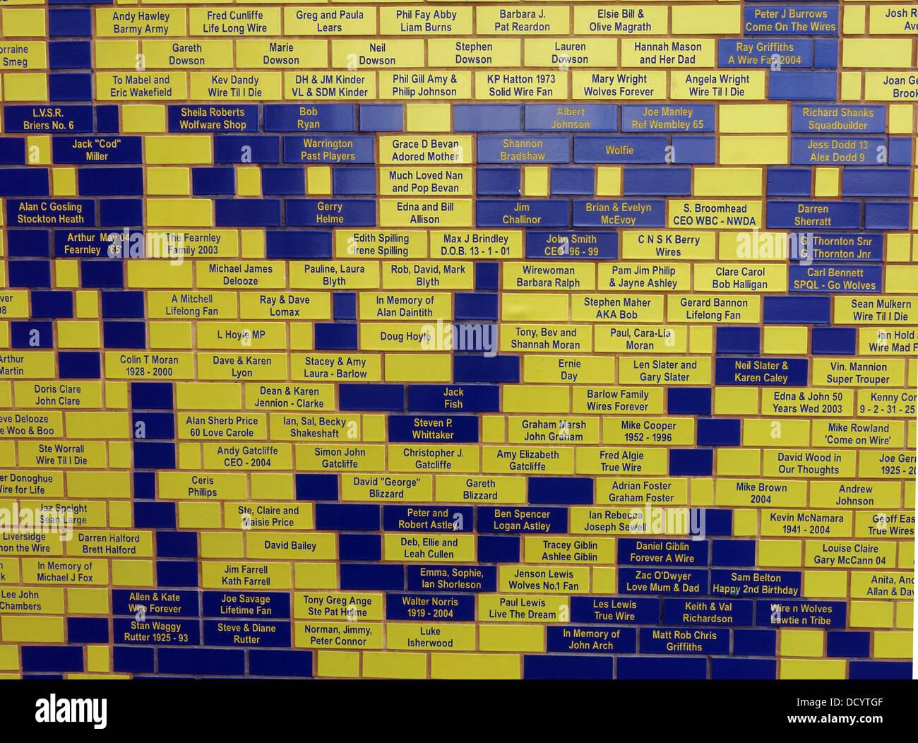 Laden Sie dieses Alamy Stockfoto Brian Bevan Gesicht Detail der Ziegel am Warrington Wolves Rugby-Stadion, Cheshire England UK - DCYTGF