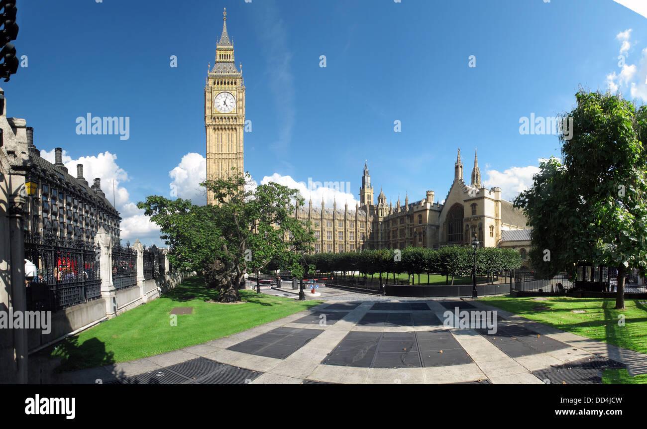 Laden Sie dieses Alamy Stockfoto Häuser des Parlaments/Palast von Westminster Panorama, Big Ben, Westminster, London, England SW1A 0AA - DD4JCW