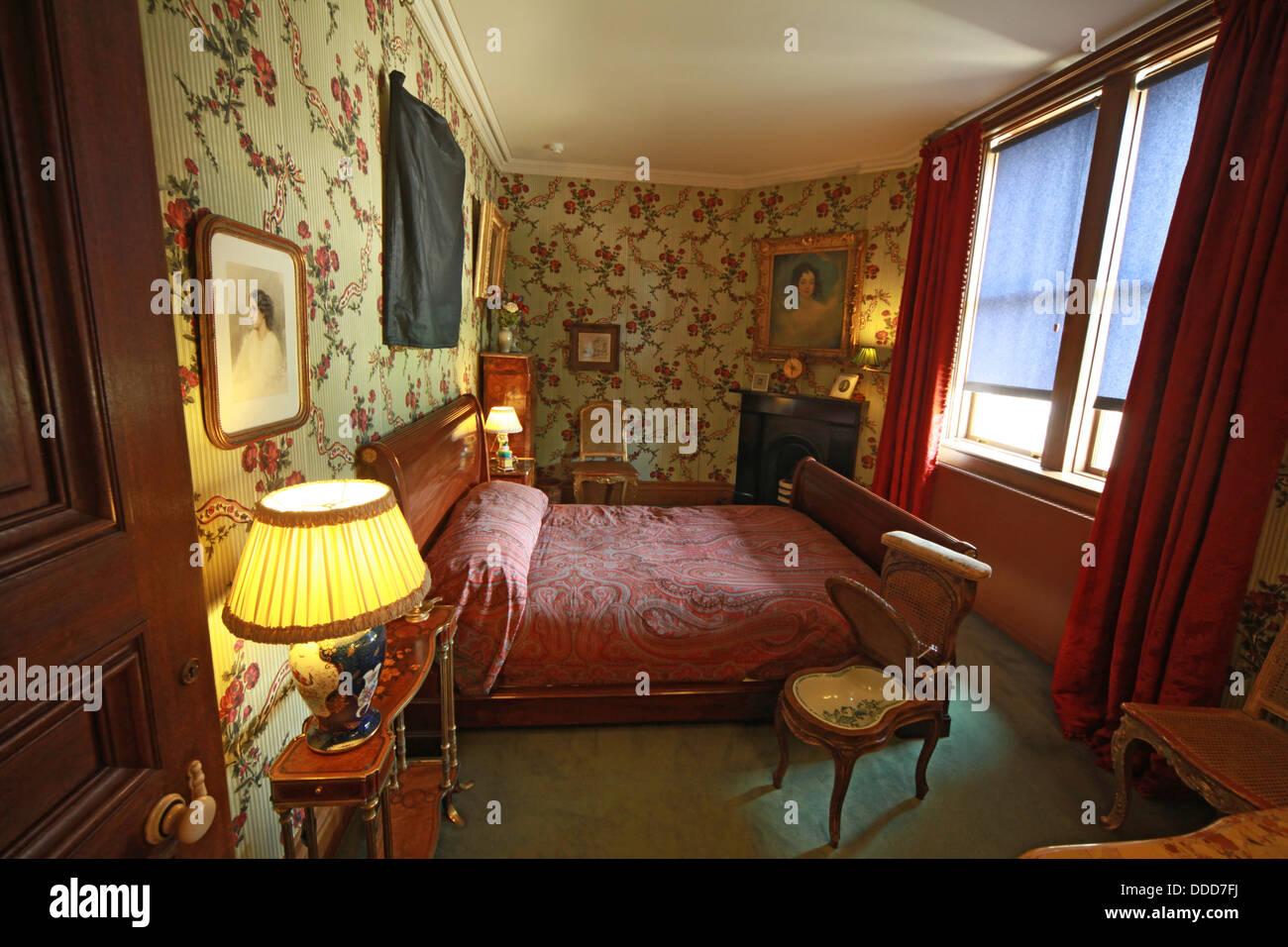Dieses Stockfoto: Schlafzimmer im Waddesdon Manor, Buckinghamshire, England - DDD7FJ