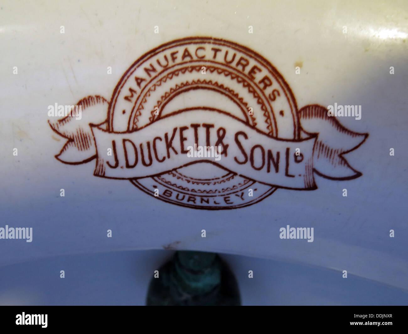 Laden Sie dieses Alamy Stockfoto J Duckett & Sohn Ltd Urinal, Hersteller, Burnley, North West England, Großbritannien - DDJNXR