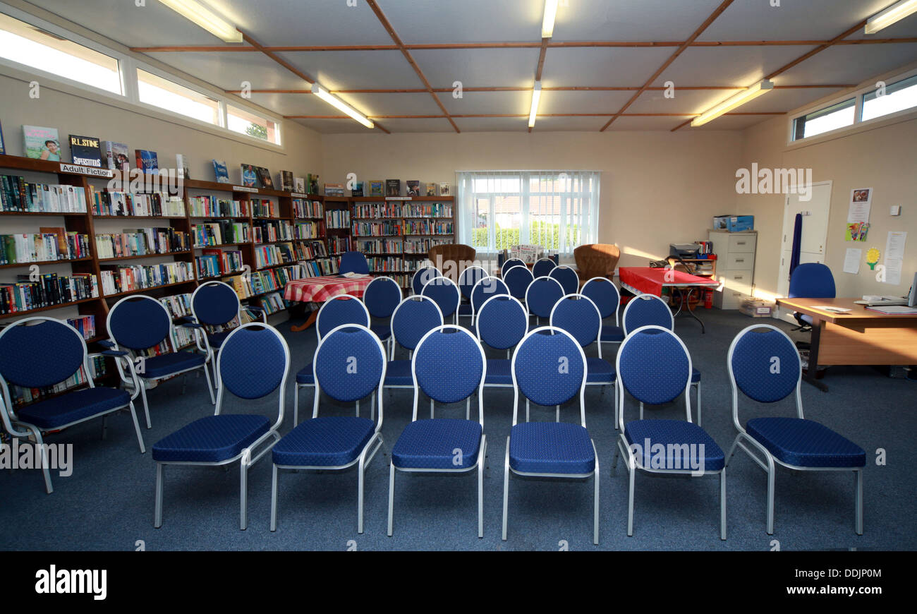 Laden Sie dieses Alamy Stockfoto Grappenhall Community Library Tagungseinrichtungen, Warrington, Cheshire, WA4 2PE - DDJP0M