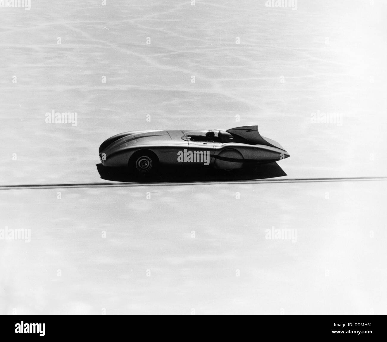 Donald Healeys Austin Healey versucht einen Geschwindigkeitsrekord, 1953. Stockbild