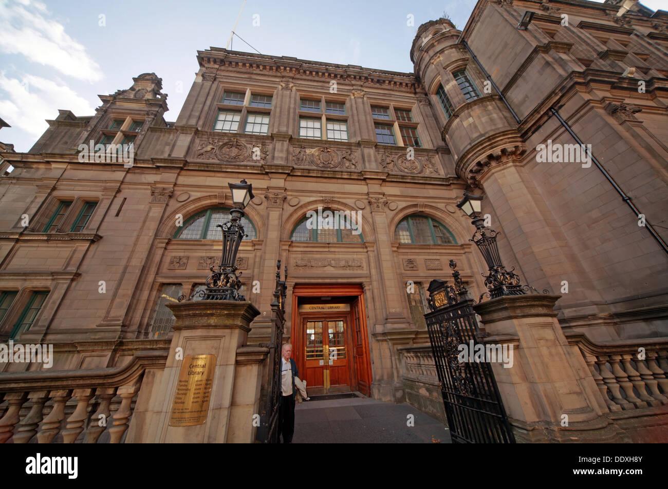 Laden Sie dieses Alamy Stockfoto Edinburgh Central Library,, 7-9 George IV Bridge, Edinburgh, Schottland, UK, EH1 1EG - DDXH8Y